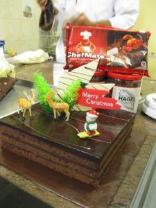 Philadelphia Chocolate Christmas Cake by Mayasi & ChefMate