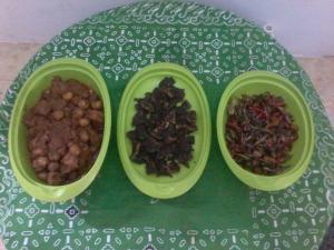 Rendang Daging,Paru Goreng dan Oseng Buncis...by Deri Cay