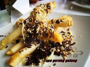 tape goreng gulung coklat by Uda Iino