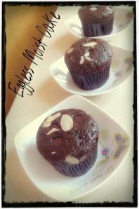Eggless moist cake by Helda